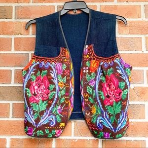 VINTAGE bright embroidered floral Rose Vest